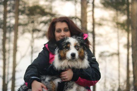 Dogwalk, Sara Viforr